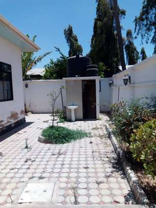HOUSE FOR RENT AREA D' DODOMA image 6