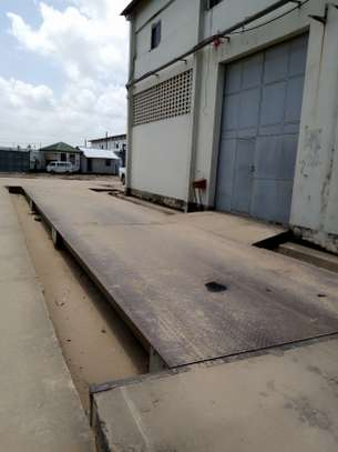 500 square meter warehouse for rent image 3