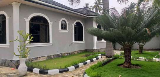 4 bdrm House for Rent in Kinondoni Best Bite. image 4