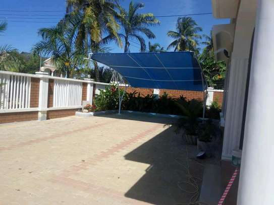 a 3bedrooms standalone near the main road and also close to shoppers mbezi beach is now available for rent image 2