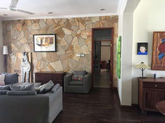 4 Bedrooms Pool House For Rent in Oysterbay image 6