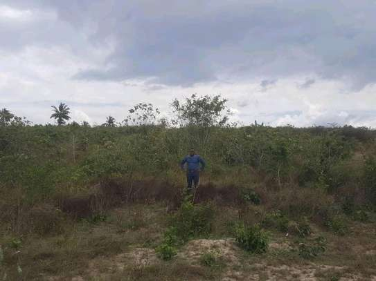 PLOT FOR SALE(TITLE DEED) image 1