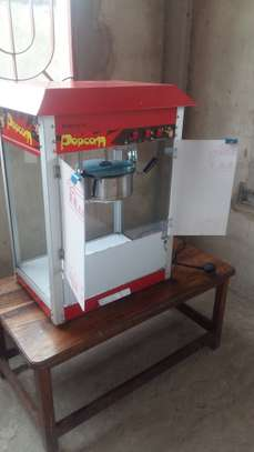 Nauza Popcorn Machine