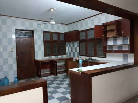 3bed room house in the compound at mikocheni TSH 1million image 3