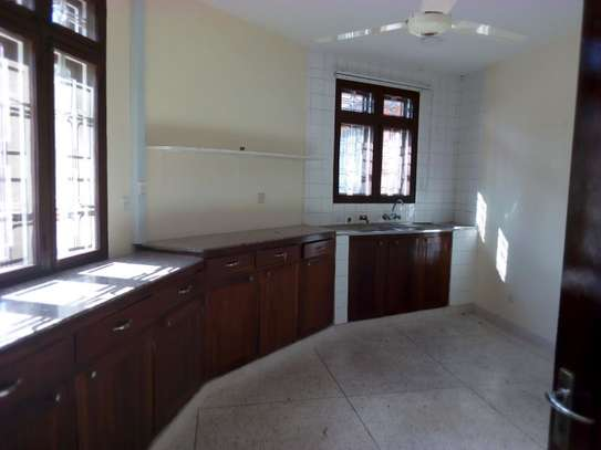 8bed houe at mikocheni $2000pm i deal for office image 8