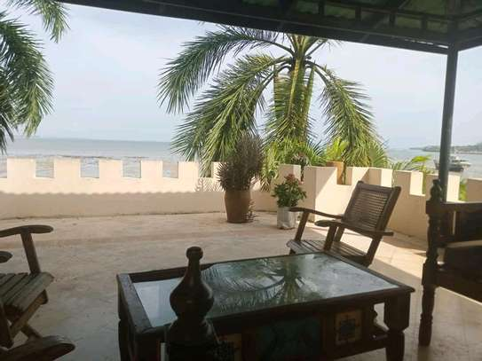 a 3bedrooms beach view villas are now available for rent at masaki cool street image 1