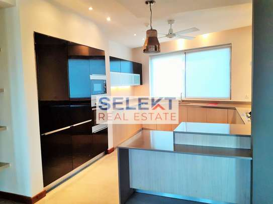 3 Bedroom Modern Apartment in Upanga image 3