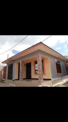 3 BDRM NEW HOUSE WITH SERVANT QUARTER/400SQM. SURVEYED PLOT AT BOKO image 1