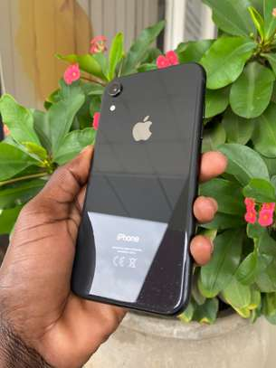  iPhone Xr 128GB ( USED ). image 2