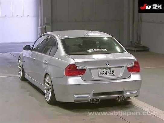 2002 BMW 3 Series image 2