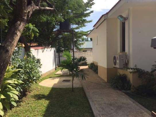 4bed beautfully house at masaki $5000pm nice pool fantastic garden ch image 6