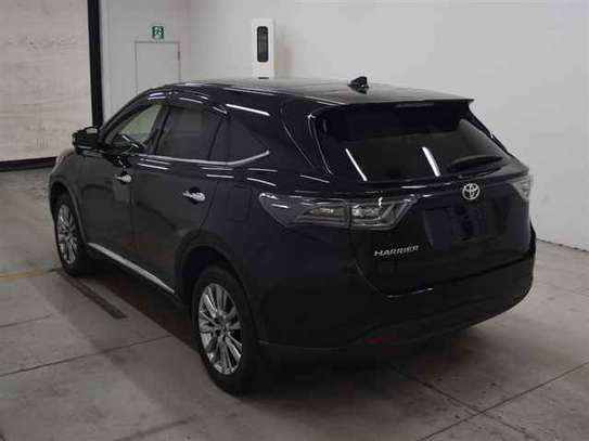 2014 Toyota Harrier image 2