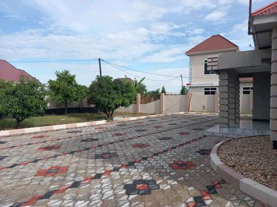 4BEDROOM HOUSE FOR SALE IN DODOMA image 2