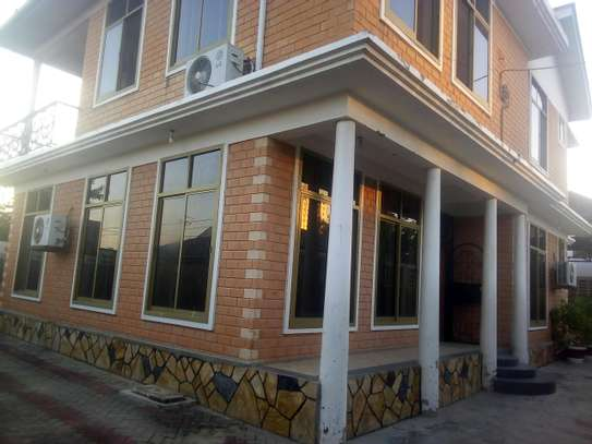 7 bedrooms House/Office to let at MAKUMBUSHO near Millennium Towered image 1