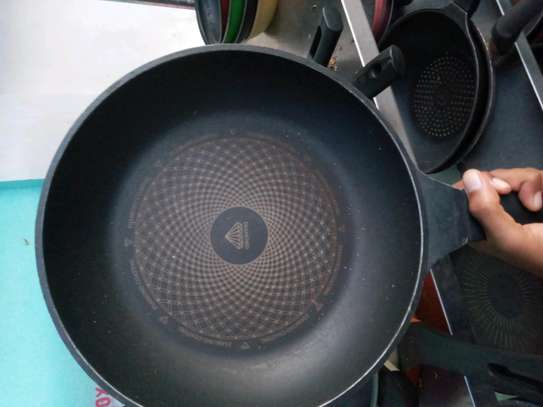 Frying pan image 3