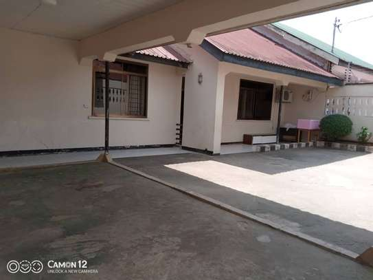 3bed house  for sale at masaki 922sqm image 1