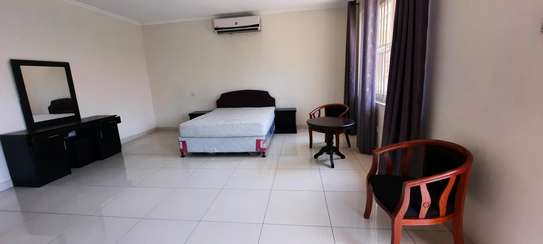 a 4bedrooms villas fully furnished VILLAS in oysterbay walking distance to coco beach is now for rent image 7