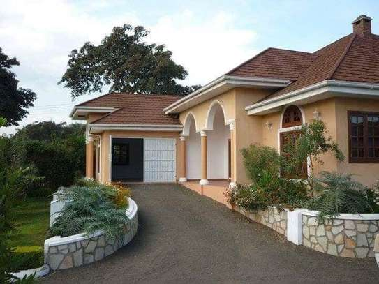 5BEDROOMS VILLA HOUSE IN NJIRO image 4