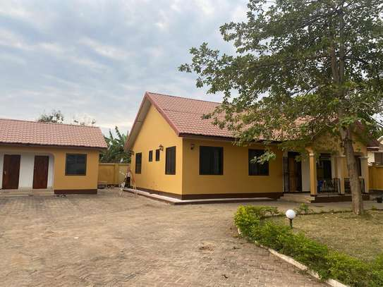 4 bed room house for rent at mbezi beach oaas club image 9