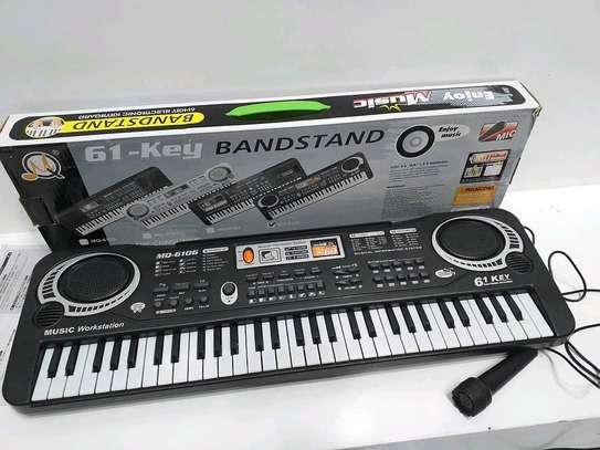 61 Keys Portable Kids Keyboards with Microphone..100,000/= image 1