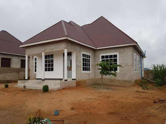 HOUSE FOR SALE OYSTERBAY DODOMA image 2