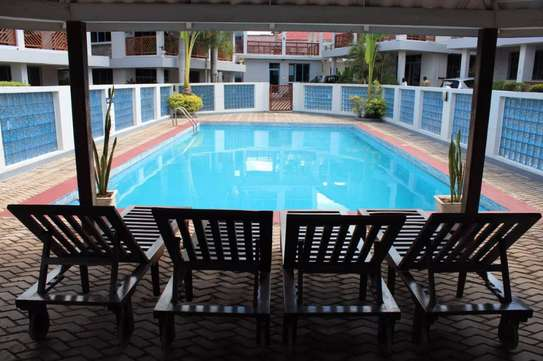 Sea view villas at Oysterbay-Toure Drive for rent image 5