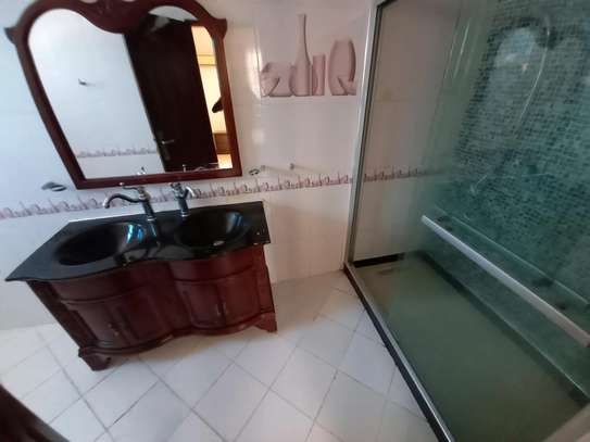 3bhk luxury apartment for rent fully furnished image 13
