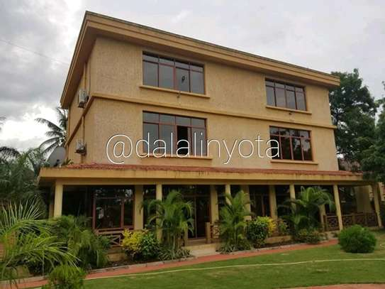 4 BDRM VILLA AT MBEZI BEACH image 5