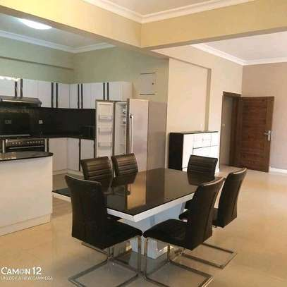 3BEDROOM FULL FURNISHED. image 6