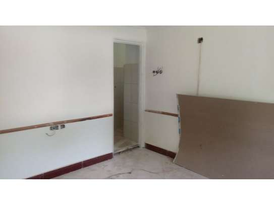 2bed house at oyster in the compound  near KCB BANK tsh 800,000 image 6