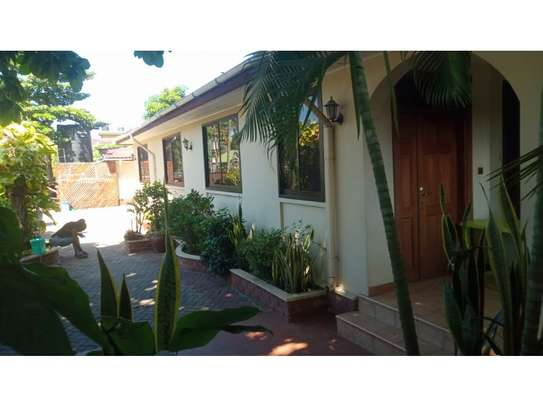 4bed house at mikocheni $1000pm image 2