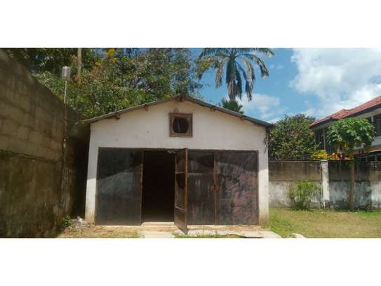 4bed house with small godown in big compound at ada estate image 14