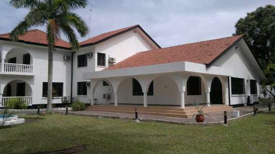 8 bedroom house can be used a residential or office use image 3