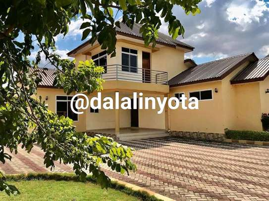 4 BDRM HOUSE AT MBEZI BEACH AFRIKANA MBEZI YA CHINI image 1