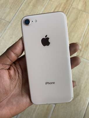iPhone 8 64GB Gold for sale image 1