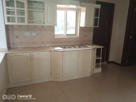 3bdrm ocean view Apartment to let in masaki image 8