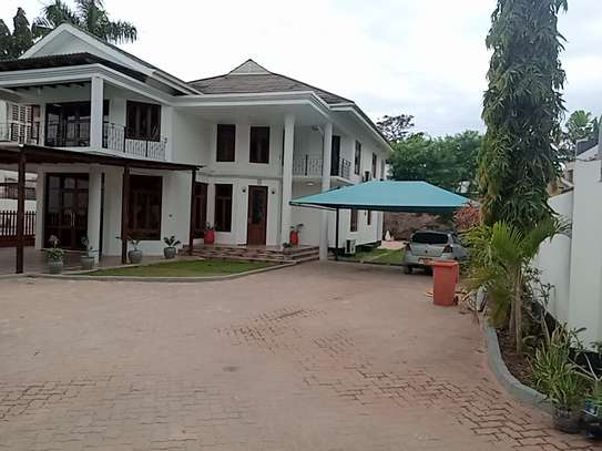 4bdrm pool house for rent in msasani peninsula