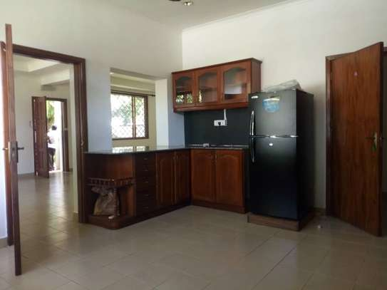 3bed house villa in the compound at oystabay $1500 image 4