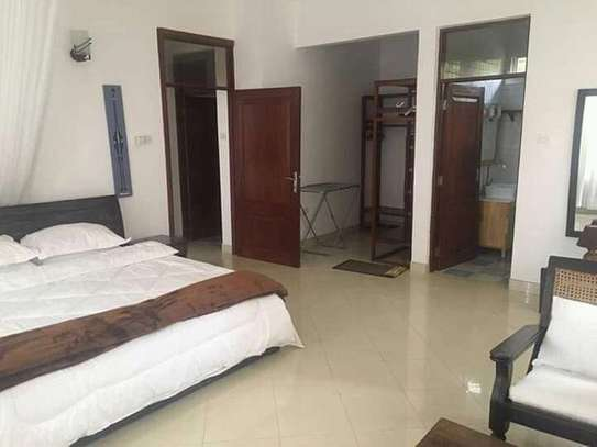 2 Bedrooms Home In Oysterbay For Rent image 5