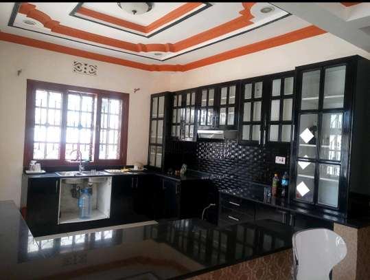 4BEDROOMS HOUSE FOR SALE IN BURKA AREA-ARUSHA. image 7