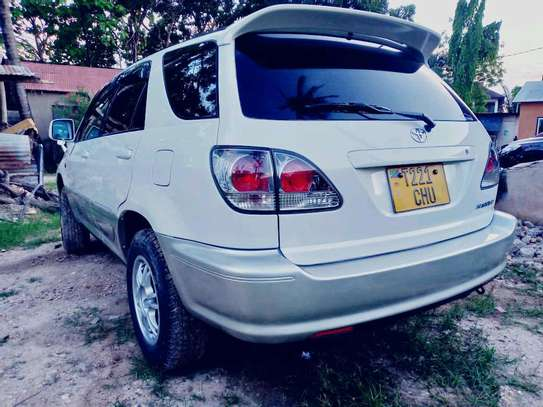 2001 Toyota Harrier image 5