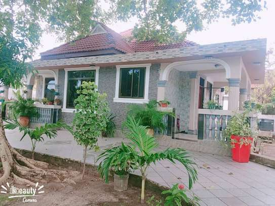 3 bed room big house for rent at mbezi beach image 1