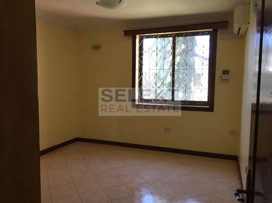 4 Bdrm Standalone Spacious House in Masaki image 6