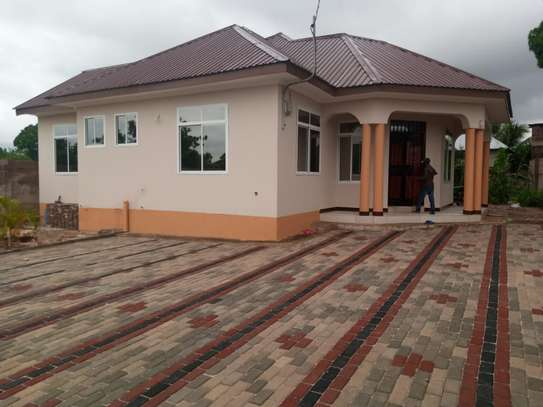 3 bed room house for rent at bunju b mazingila image 1