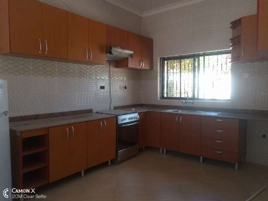 2Bedrooms House at Oyster bay $800pm image 5