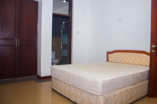 3bedroom fully furnished apartment image 5