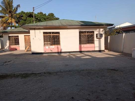 4bed house  ideal for office at block 41 tsh 1,000,000 image 1