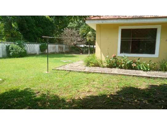3bed compound house at oyster bay with big garden  on tarmac image 10
