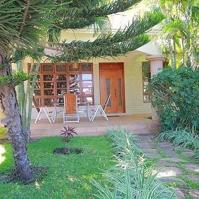 a luxurious villas are available for rent at mbezi beach road to whitesands hotel image 3