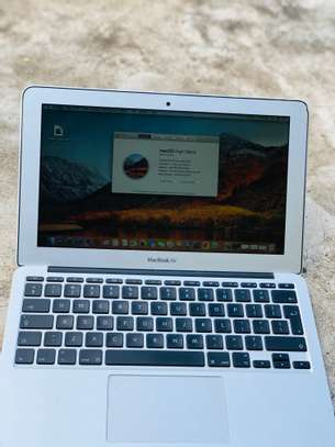 MacBook Air 2012 image 5